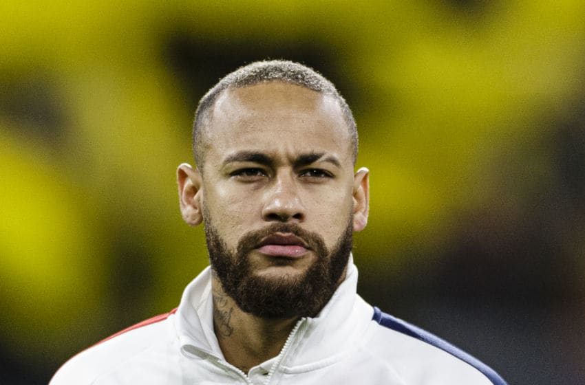 DORTMUND, GERMANY - FEBRUARY 18: Neymar Junior of Paris Saint Germain getting into the field during the UEFA Champions League round of 16 first leg match between Borussia Dortmund and Paris Saint-Germain at Signal Iduna Park on February 18, 2020 in Dortmund, Germany. (Photo by Eurasia Sport Images/Getty Images)