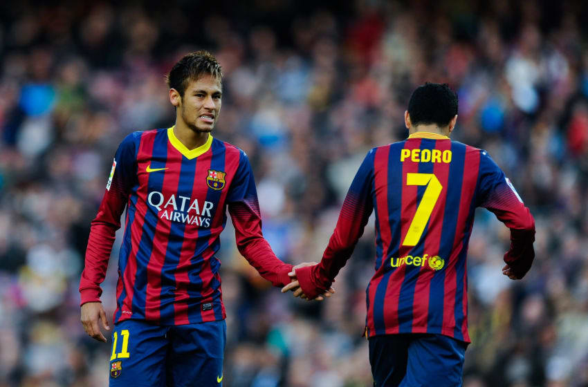BARCELONA, SPAIN - NOVEMBER 23: Neymar (L) of FC Barcelona shakes hand with his teammate Pedro Rodriguez during the La Liga match between FC Barcelona and Granda CF at Camp Nou on November 23, 2013 in Barcelona, Spain. (Photo by David Ramos/Getty Images)
