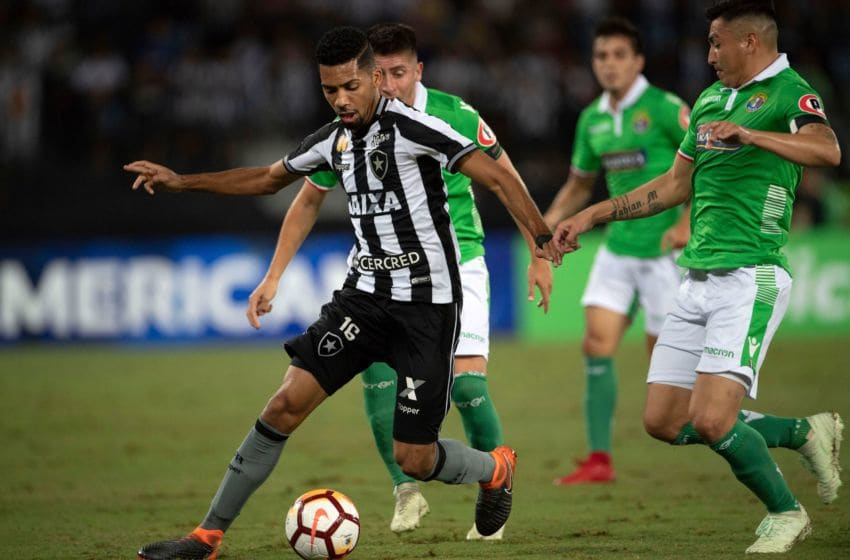 Brazil's Botafogo player Matheus Fernandes controls the ball during a Copa Sudamericana 2018 football match against Chile's Audax Italiano at Nilton Santos Olympic stadium