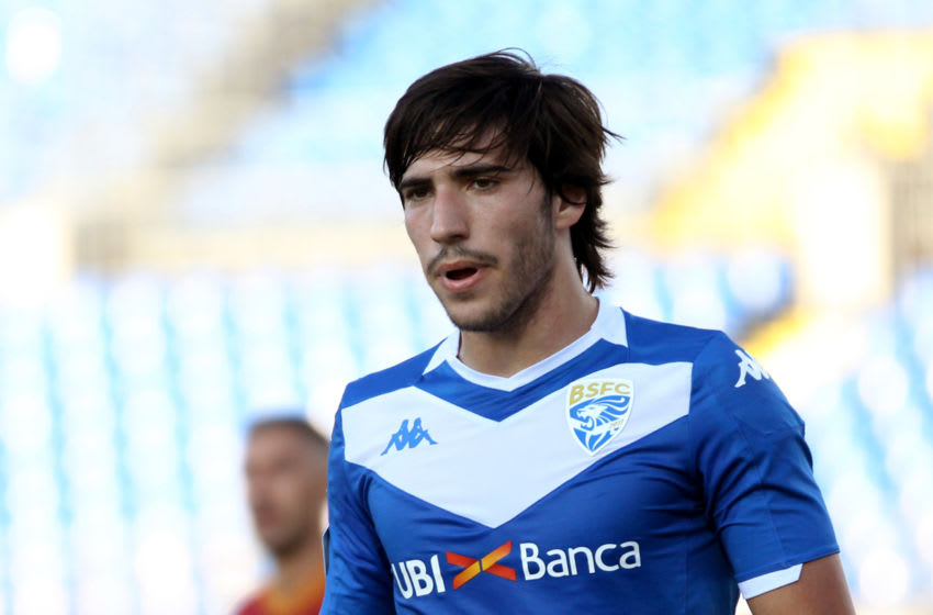 BRESCIA, ITALY - JULY 11: Sandro Tonali of Brescia Calcio looks on during the Serie A match between Brescia Calcio and AS Roma at Stadio Mario Rigamonti on July 11, 2020 in Brescia, Italy. (Photo by MB Media/Getty Images