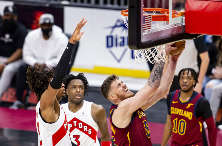 CLEVELAND, OH - APRIL 10: Isaiah Hartenstein #55 of the Cleveland Cavaliers goes in for a layup at Rocket Mortgage FieldHouse on April 10, 2021 in Cleveland, Ohio. The Toronto Raptors beat the Cleveland Cavaliers 135-115.
