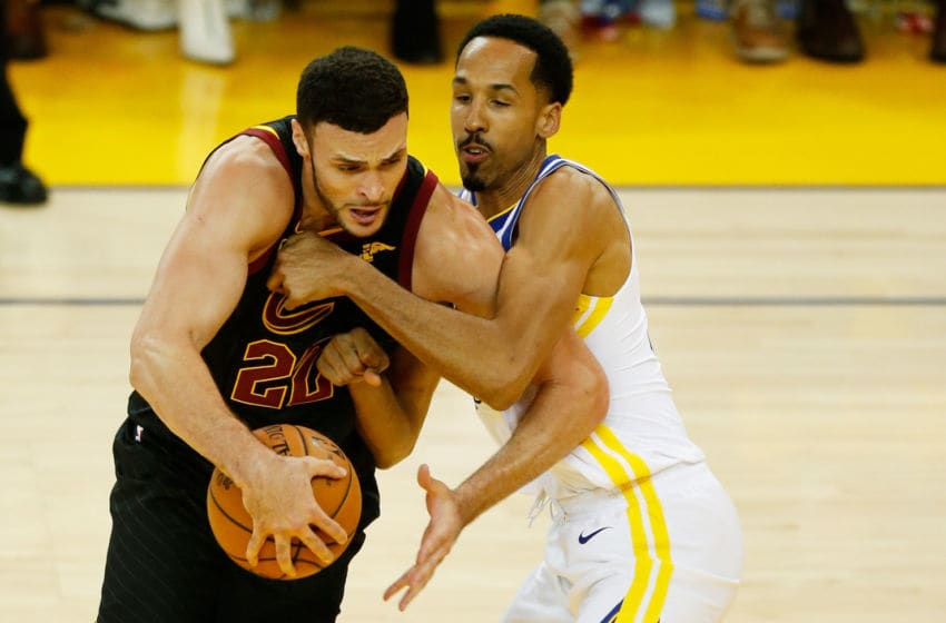 OAKLAND, CA - MAY 31: Larry Nance Jr. #22 of the Cleveland Cavaliers drives against Shaun Livingston #34 of the Golden State Warriors in Game 1 of the 2018 NBA Finals at ORACLE Arena on May 31, 2018 in Oakland, California. NOTE TO USER: User expressly acknowledges and agrees that, by downloading and or using this photograph, User is consenting to the terms and conditions of the Getty Images License Agreement. (Photo by Lachlan Cunningham/Getty Images)