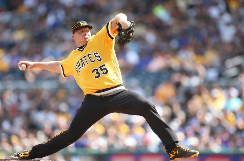 Jul 10, 2016; Pittsburgh, PA, USA; Pittsburgh Pirates relief pitcher Mark Melancon (35) pitches against the Chicago Cubs during the ninth inning at PNC Park. Chicago won 6-5. Mandatory Credit: Charles LeClaire-USA TODAY Sports