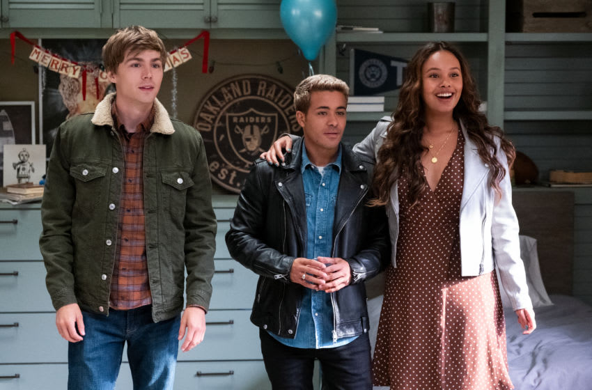 13 REASONS WHY (L TO R) MILES HEIZER as ALEX STANDALL, CHRISTIAN NAVARRO as TONY PADILLA and ALISHA BOE as JESSICA DAVIS in episode 401 of 13 REASONS WHY Cr. DAVID MOIR/NETFLIX © 2020