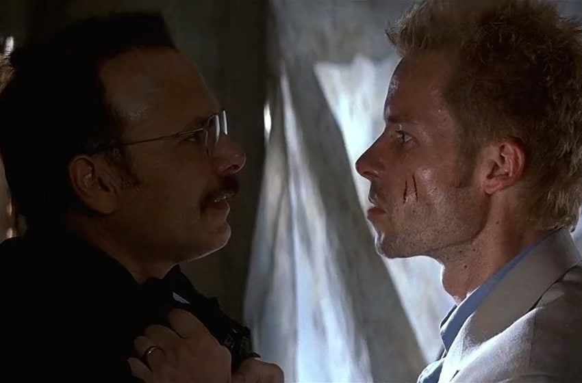 Joe Pantoliano and Guy Pearce in Memento (2000) / Rex Pictures