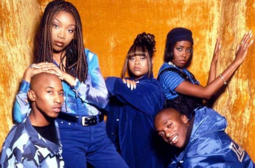 Shar Jackson, Brandy Norwood, Lamont Bentley, Fredro Starr, and Countess Vaughn in Moesha (1996). Photo ©Paramount