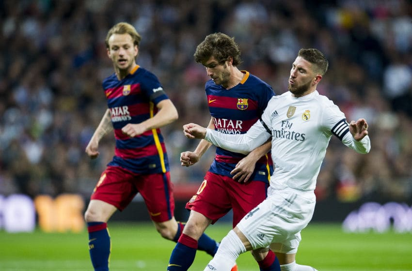 MADRID, SPAIN - NOVEMBER 21: Sergio Ramos of Real Madrid duels for the ball with Sergi Roberto of Barcelona during the La Liga match between Real Madrid CF and FC Barcelona at Estadio Santiago Bernabeu on November 21, 2015 in Madrid, Spain. (Photo by Juan Manuel Serrano Arce/Getty Images)