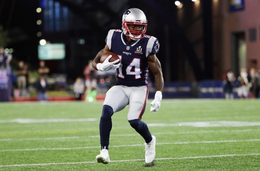 FOXBORO, MA - SEPTEMBER 07: Brandin Cooks #14 of the New England Patriots runs with the ball during the first half against the Kansas City Chiefs at Gillette Stadium on September 7, 2017 in Foxboro, Massachusetts. (Photo by Adam Glanzman/Getty Images)