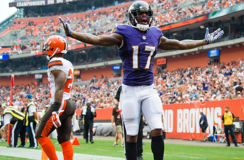 CLEVELAND, OH - SEPTEMBER 18: Wide receiver Mike Wallace
