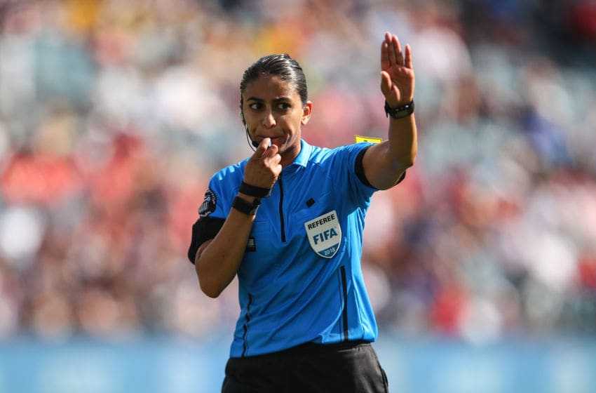 KANSAS CITY, KS - JULY 26: Referee Christina Unkel during the 2018 Tournament Of Nations women match between Australia and Brazil at Children's Mercy Park on July 26, 2018 in Kansas City, Kansas. (Photo by Robbie Jay Barratt - AMA/Getty Images)