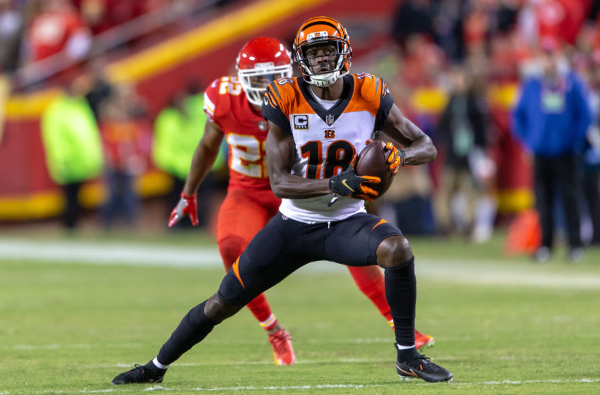 KANSAS CITY, MO - OCTOBER 21: Cincinnati Bengals wide receiver A.J. Green (18) after a reception during the NFL football game against the Kansas City Chiefs on October 21, 2018 at Arrowhead Stadium in Kansas City, Missouri. (Photo by William Purnell/Icon Sportswire via Getty Images)