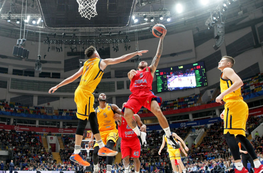 Mike James, #5 of CSKA Moscow competes with Alexey Shved, #1 of Khimki Moscow Region (Photo by Mikhail Serbin/Euroleague Basketball via Getty Images)