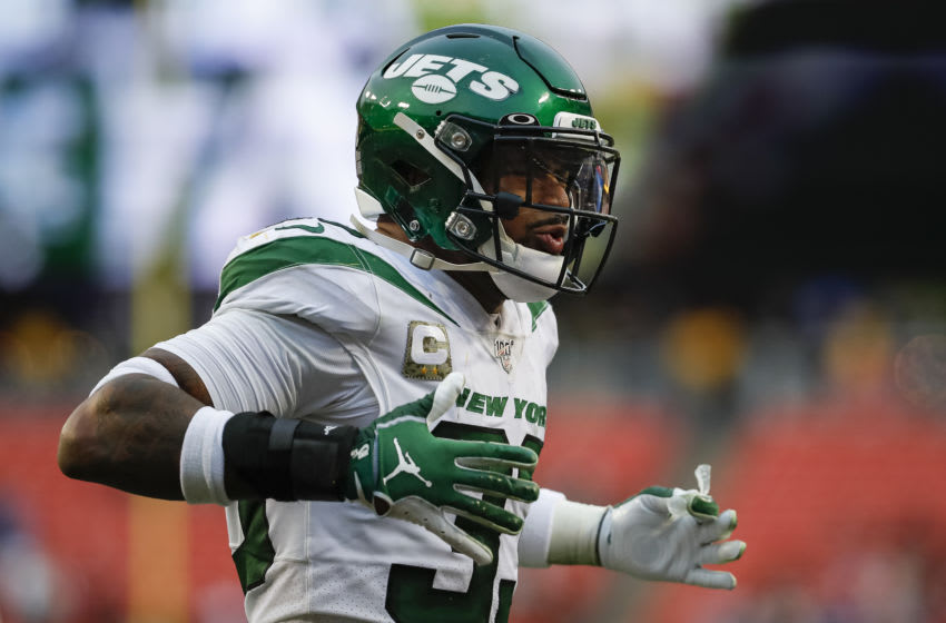 LANDOVER, MD - NOVEMBER 17: Jamal Adams #33 of the New York Jets reacts to a play during the second half of the game against the Washington Redskins at FedExField on November 17, 2019 in Landover, Maryland. (Photo by Scott Taetsch/Getty Images)