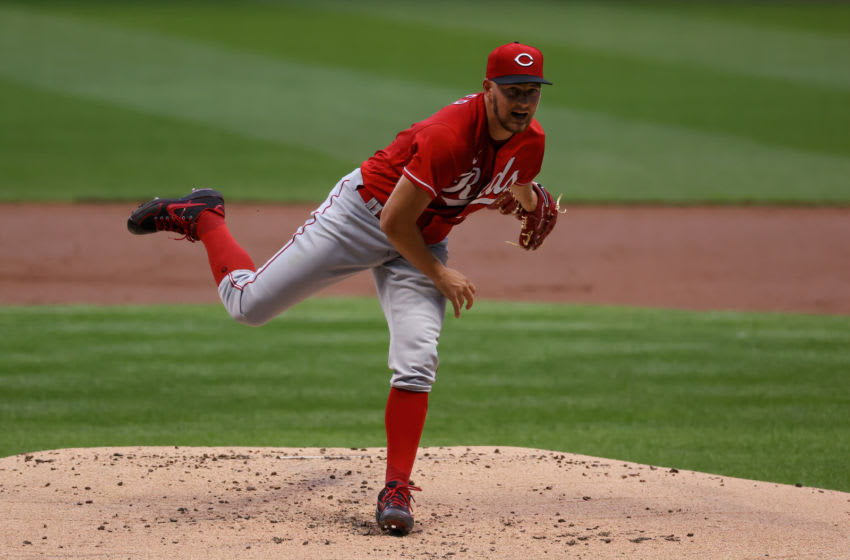 MILWAUKEE, WISCONSIN - AUGUST 24: Trevor Bauer #27 of the Cincinnati Reds pitches in the first inning against the Milwaukee Brewers at Miller Park on August 24, 2020 in Milwaukee, Wisconsin. (Photo by Dylan Buell/Getty Images)