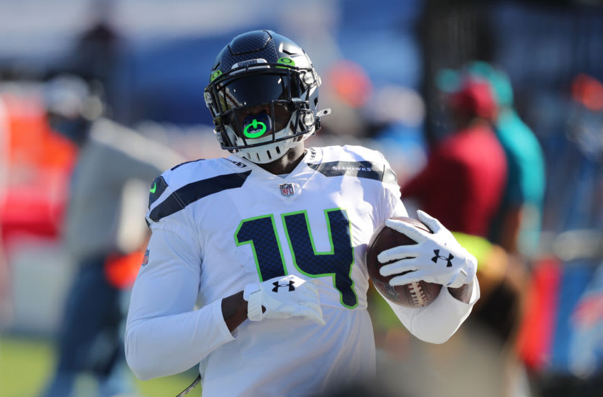 ORCHARD PARK, NY - NOVEMBER 08: DK Metcalf #14 of the Seattle Seahawks makes a catch before a game against the Buffalo Bills at Bills Stadium on November 8, 2020 in Orchard Park, New York. (Photo by Timothy T Ludwig/Getty Images)