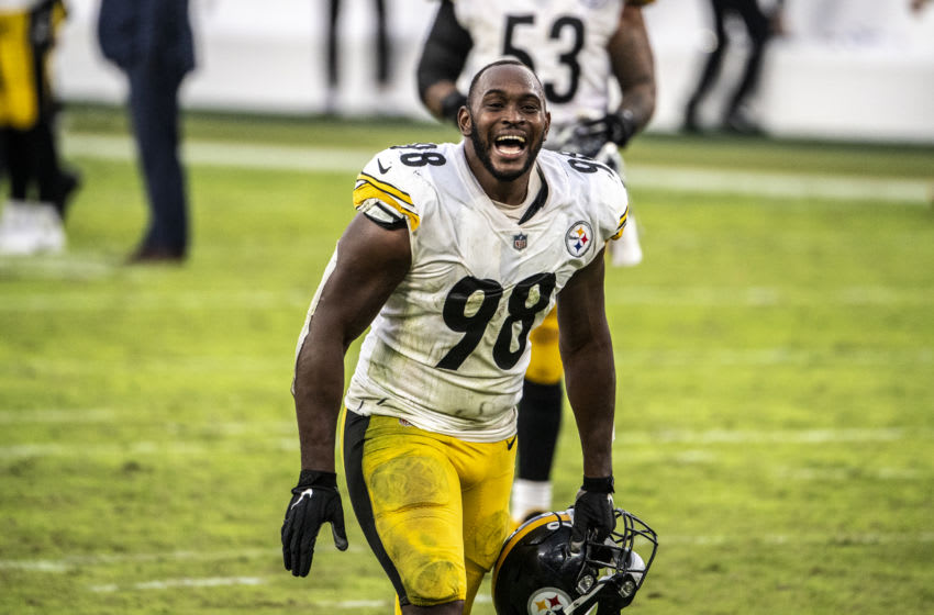 BALTIMORE, MD - NOVEMBER 01: Vince Williams #98 of the Pittsburgh Steelers reacts after beating the Baltimore Ravens at M&T Bank Stadium on November 1, 2020 in Baltimore, Maryland. (Photo by Benjamin Solomon/Getty Images)