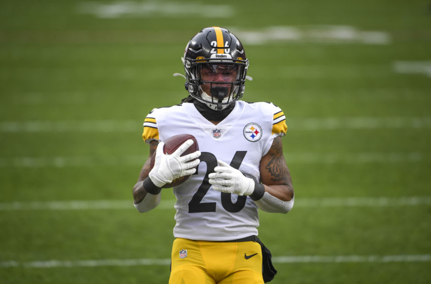 CLEVELAND, OHIO - JANUARY 03: Anthony McFarland #26 of the Pittsburgh Steelers warms up before the first quarter against the Cleveland Browns at FirstEnergy Stadium on January 03, 2021 in Cleveland, Ohio. (Photo by Nic Antaya/Getty Images)