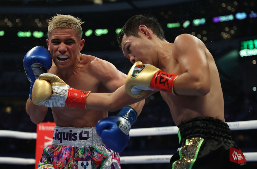 ARLINGTON, TEXAS - MAY 08: Elwin Soto exchanges punches with Katsunari Takayama, during their fight for Soto's WBO junior flyweight title at AT&T Stadium on May 08, 2021 in Arlington, Texas. (Photo by Al Bello/Getty Images)