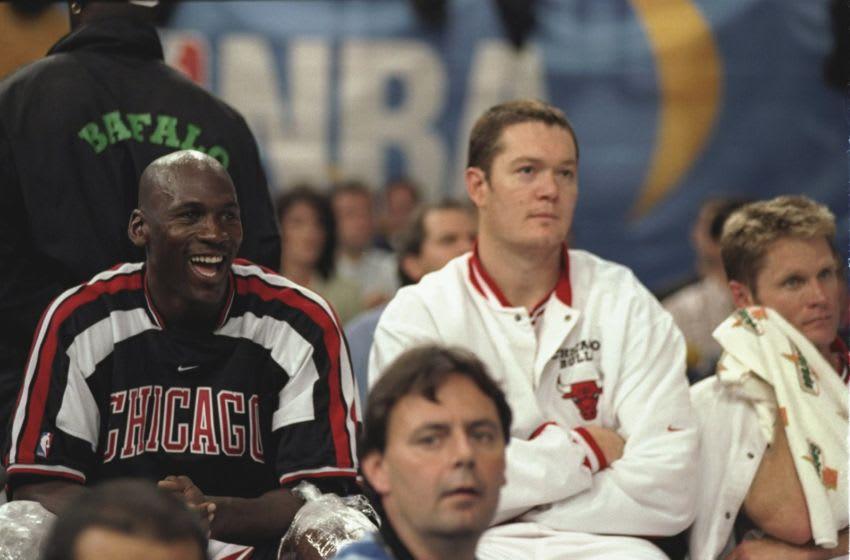 Michael Jordan, Luc Longley, Steve Kerr, Chicago Bulls, Mandatory Credit: John Gichigi /Allsport