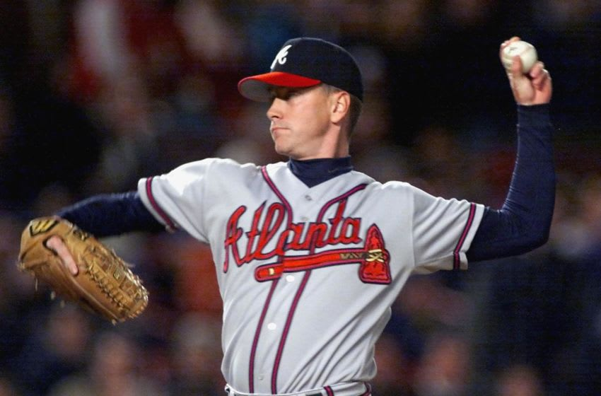 NEW YORK, UNITED STATES: Atlanta Braves' pitcher Tom Glavine throws a pitch to the New York Mets 15 October 1999 during the National League Championship Series at Shea Stadium. (ELECTRONIC IMAGE) AFP PHOTO/Matt CAMPBELL (Photo credit should read MATT CAMPBELL/AFP via Getty Images)