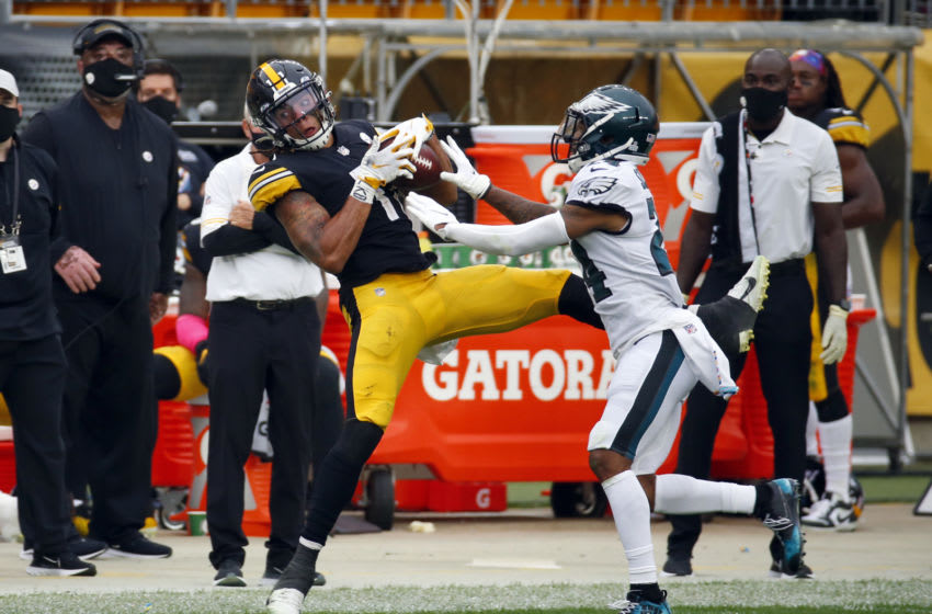 PITTSBURGH, PA - OCTOBER 11: Chase Claypool #11 of the Pittsburgh Steelers makes a catch that is later overturned in the second half against Darius Slay #24 of the Philadelphia Eagles on October 11, 2020 at Heinz Field in Pittsburgh, Pennsylvania. (Photo by Justin K. Aller/Getty Images)