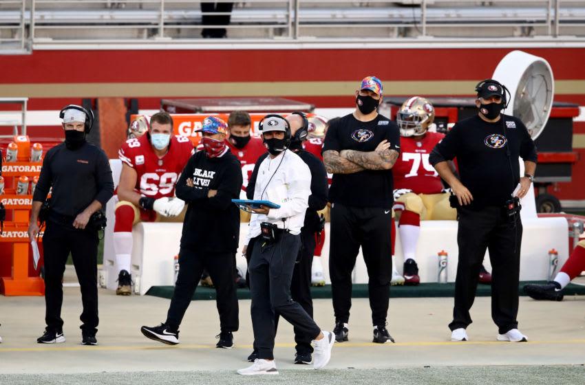 SANTA CLARA, CALIFORNIA - OCTOBER 04: Head coach Kyle Shanahan of the San Francisco 49ers (Photo by Ezra Shaw/Getty Images)