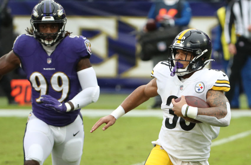 BALTIMORE, MARYLAND - NOVEMBER 01: Running back James Conner #30 of the Pittsburgh Steelers (Photo by Patrick Smith/Getty Images)