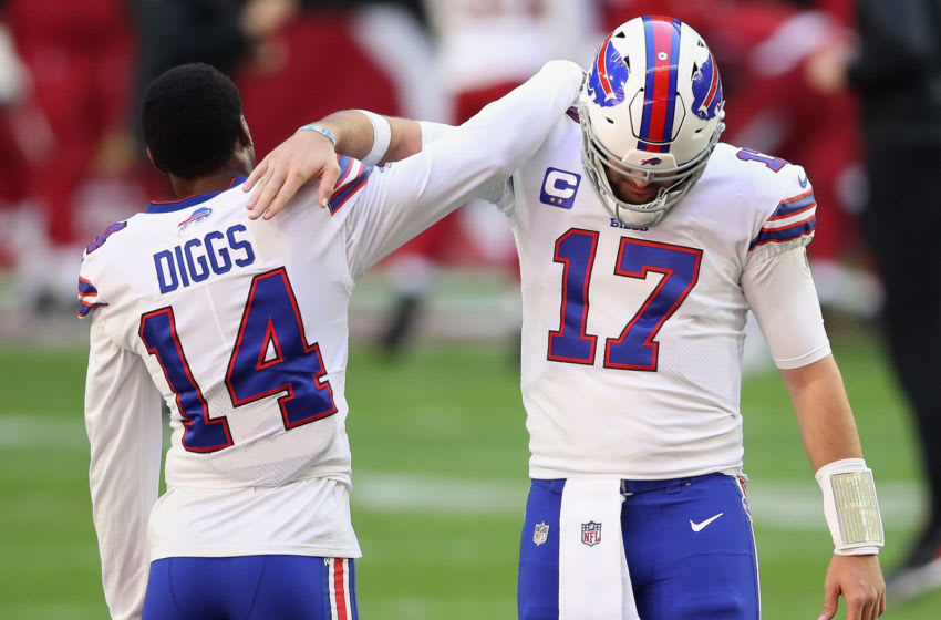 GLENDALE, ARIZONA - NOVEMBER 15: Quarterback Josh Allen #17 and wide receiver Stefon Diggs #14 (Photo by Christian Petersen/Getty Images)