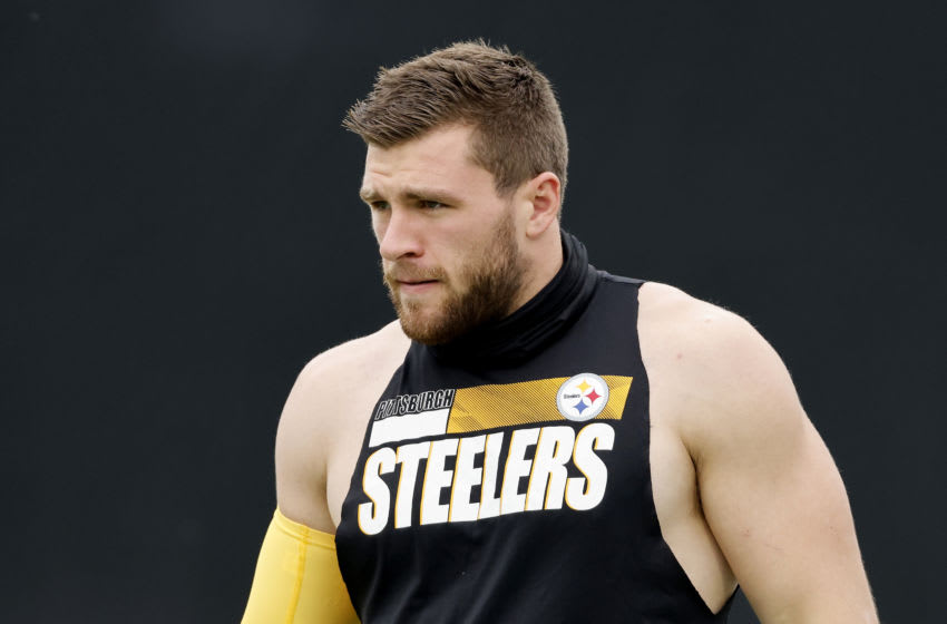 JACKSONVILLE, FLORIDA - NOVEMBER 22: T.J. Watt #90 of the Pittsburgh Steelers warms up prior to the game against the Jacksonville Jaguars at TIAA Bank Field on November 22, 2020 in Jacksonville, Florida. (Photo by Michael Reaves/Getty Images)