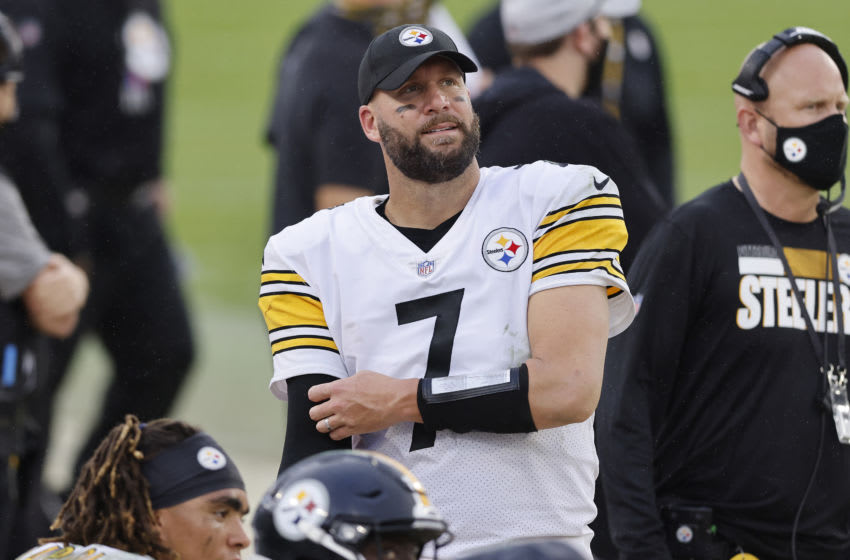 JACKSONVILLE, FLORIDA - NOVEMBER 22: Ben Roethlisberger #7 of the Pittsburgh Steelers reacts against the Jacksonville Jaguars at TIAA Bank Field on November 22, 2020 in Jacksonville, Florida. (Photo by Michael Reaves/Getty Images)