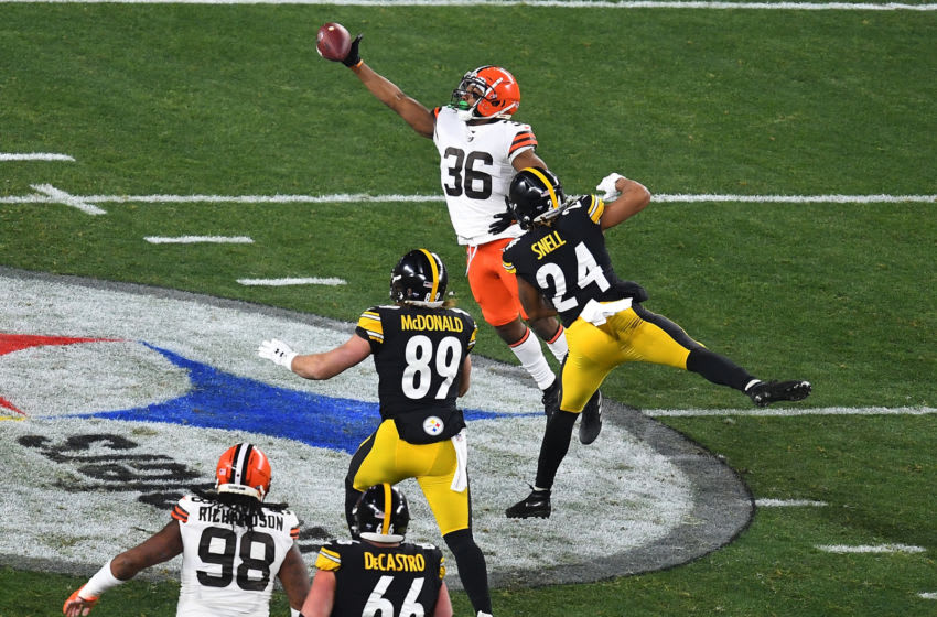 M.J. Stewart, Cleveland Browns, Pittsburgh Steelers. (Photo by Joe Sargent/Getty Images)