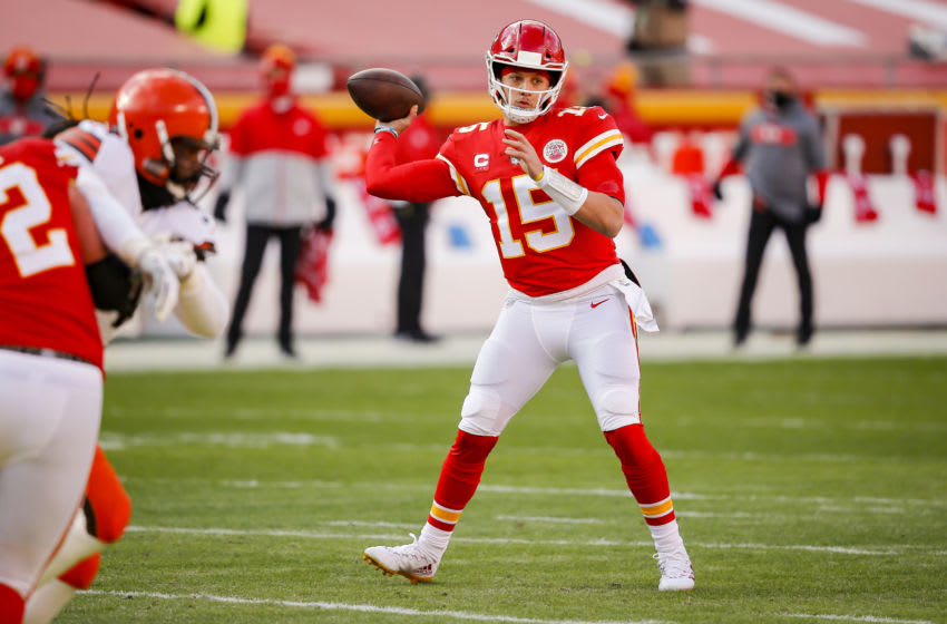 KANSAS CITY, MO - JANUARY 17: Patrick Mahomes #15 of the Kansas City Chiefs throws a first quarter pass during the game against the Cleveland Browns in the AFC Divisional Playoff at Arrowhead Stadium on January 17, 2021 in Kansas City, Missouri. (Photo by David Eulitt/Getty Images)