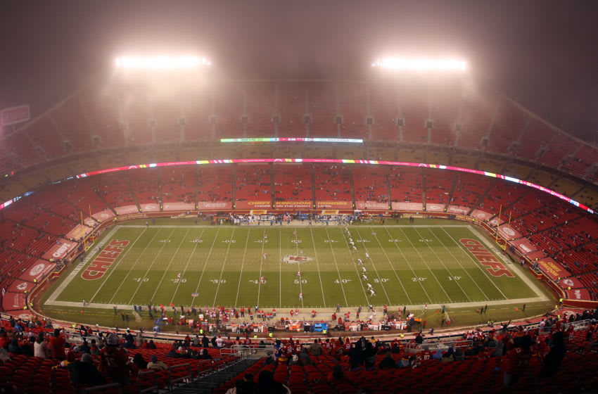 KANSAS CITY, MISSOURI - JANUARY 03: A general view as fog envelops the field during the 2nd half of the game between the Los Angeles Charges and the Kansas City Chiefs at Arrowhead Stadium on January 03, 2021 in Kansas City, Missouri. (Photo by Jamie Squire/Getty Images)