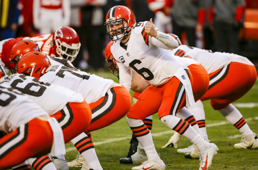 KANSAS CITY, MO - JANUARY 17: Baker Mayfield #6 of the Cleveland Browns signals his receivers to motion in the fourth quarter against the Kansas City Chiefs in the AFC Divisional Playoff at Arrowhead Stadium on January 17, 2021 in Kansas City, Missouri. (Photo by David Eulitt/Getty Images)
