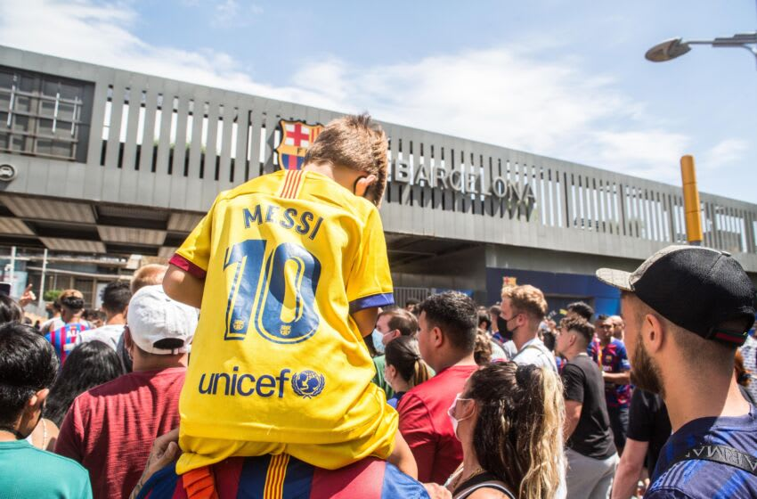Lionel Messi fans. (Thiago Prudêncio/SOPA Images/LightRocket via Getty Images)