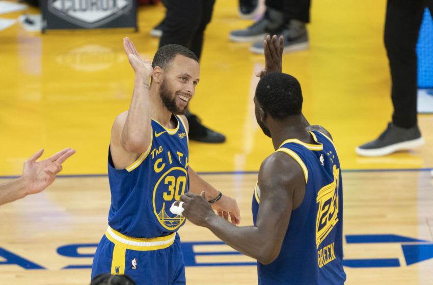 Steph Curry, Draymond Green, Golden State Warriors. (Mandatory Credit: Kyle Terada-USA TODAY Sports)