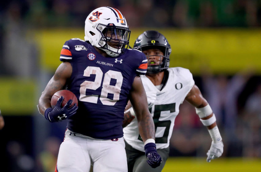 JaTarvious Whitlow #28 of the Auburn Tigers (Photo by Tom Pennington/Getty Images)