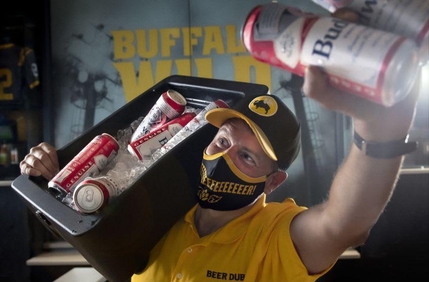 Buffalo Wild Wings opening day promo, photo provided by Buffalo Wild Wings ©2020 Scott K. Brown Photography, Inc.