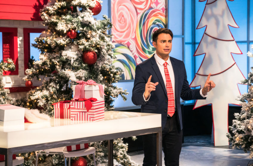 """Host Jonathan Bennett introduces the """"Reindeer Replacement"""" Snowball Fight Challenge, where teams have to come up with a cake that shows what happens when Santa's Reindeer don't show up for work, as seen on Holiday Wars, Season 1. photo provided by Food Network"""