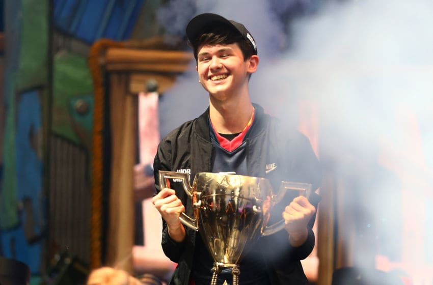 """NEW YORK, NEW YORK - JULY 28: Kyle """"Bugha"""" Giersdorf celebrates after winning the Fortnite World Cup solo final at Arthur Ashe Stadium on July 28, 2019 in New York City. (Photo by Mike Stobe/Getty Images)"""