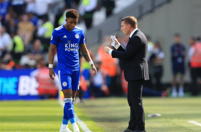 LONDON, ENGLAND - APRIL 20: Brendan Rodgers, Manager of Leicester City speaks to Demarai Gray of Leicester City during the Premier League match between West Ham United and Leicester City at London Stadium on April 20, 2019 in London, United Kingdom. (Photo by Stephen Pond/Getty Images)