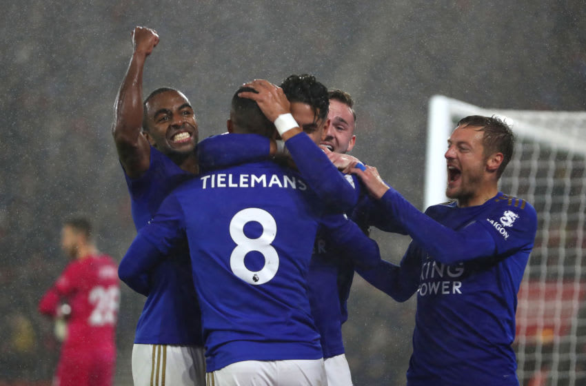SOUTHAMPTON, ENGLAND - OCTOBER 25: Ayoze Perez of Leicester City celebrates after scoring his team's third goal with Youri Tielemans, Ricardo Pereira and Jamie Vardy as Angus Gunn of Southampton reacts during the Premier League match between Southampton FC and Leicester City at St Mary's Stadium on October 25, 2019 in Southampton, United Kingdom. (Photo by Naomi Baker/Getty Images)