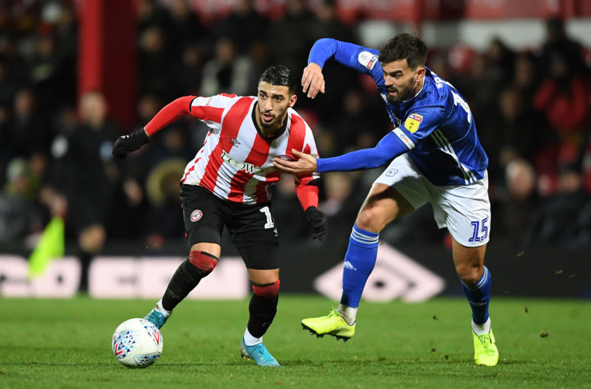 BRENTFORD, ENGLAND - DECEMBER 11: Said Benrahma of Brentford battles for possession with Marlon Pack of Cardiff City during the Sky Bet Championship match between Brentford and Cardiff City at Griffin Park on December 11, 2019 in Brentford, England. (Photo by Alex Davidson/Getty Images)