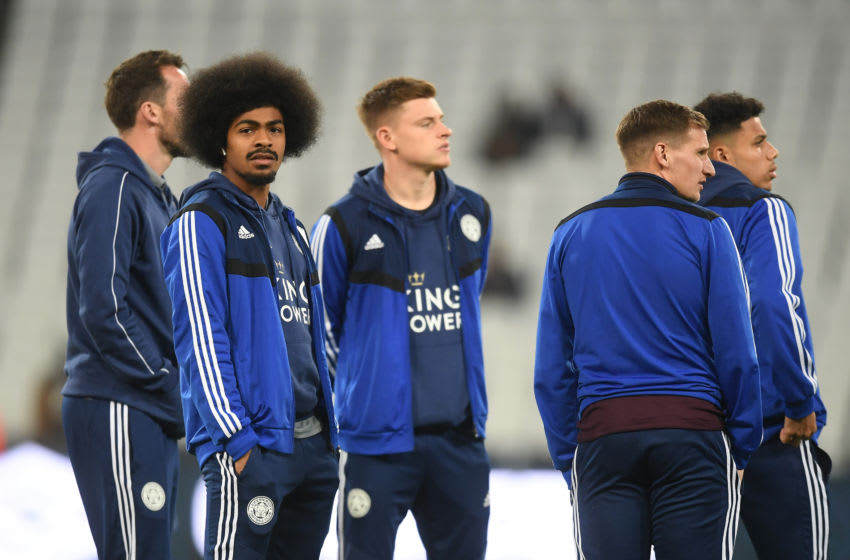 LONDON, ENGLAND - DECEMBER 28: Players of Leicester City look on during a pitch inspection prior to the Premier League match between West Ham United and Leicester City at London Stadium on December 28, 2019 in London, United Kingdom. (Photo by Michael Regan/Getty Images)