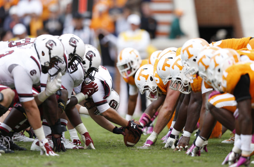 South Carolina Gamecocks face off at the line of scrimmage against the Tennessee Volunteers. (Photo by Joe Robbins/Getty Images)