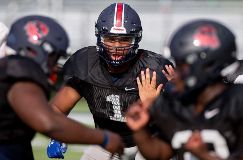 Walter Nolen runs through a drill with his team on Tuesday, Sept. 15, 2020, during a practice at St. Benedict at Auburndale High School in Cordova. 091520 Walternolen 02 Msg