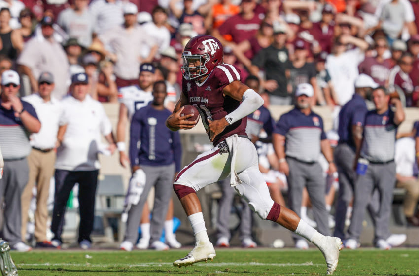 COLLEGE STATION, TX - SEPTEMBER 21: Texas A&M Aggies quarterback Kellen Mond (11) runs the ball during the game between the Auburn Tigers and the Texas A&M Aggies on September 21, 2019 at Kyle Field in College Station, Texas. (Photo by Daniel Dunn/Icon Sportswire via Getty Images)
