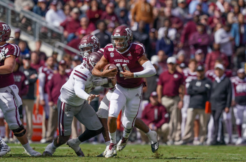 COLLEGE STATION, TX - OCTOBER 26: Texas A&M Aggies quarterback Kellen Mond (11) runs the ball during the college football game between the Mississippi State Bulldogs and the Texas A&M Aggies on October 26, 2019 at Kyle Field in College Station, TX. (Photo by Daniel Dunn/Icon Sportswire via Getty Images)