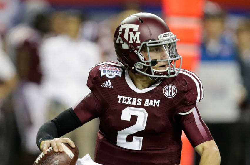 ATLANTA, GA - DECEMBER 31: Quarterback Johnny Manziel #2 of the Texas A&M Aggies rolls out and looks downfield to pass during the the Chick-fil-A Bowl game against the Duke Blue Devils at the Georgia Dome on December 31, 2013 in Atlanta, Georgia. (Photo by Mike Zarrilli/Getty Images)