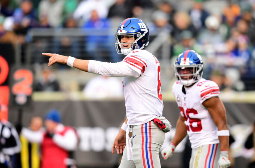 EAST RUTHERFORD, NEW JERSEY - NOVEMBER 10: Daniel Jones #8 of the New York Giants calls a play in the second half of their game against the New York Jets at MetLife Stadium on November 10, 2019 in East Rutherford, New Jersey. (Photo by Emilee Chinn/Getty Images)
